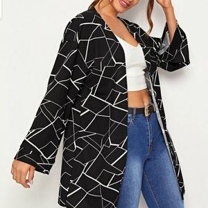 Jackets & Coats - 💝💝NEW Geo Print Bell Sleeve Coat